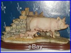 BORDER FINE ARTS, LAST TO FINISH, PIG + Piglets, 1996, Very Rare, Original