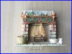 Border Fine Arts Brambly Hedge Christmas Fireplace BH24 AF