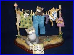 Border Fine Arts Comic And Curious Cats Hung Out To Dry