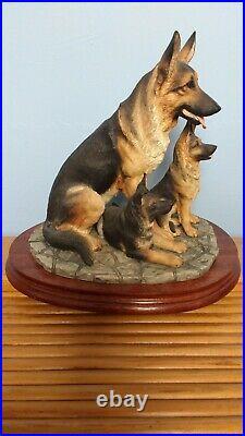 Border Fine Arts'German Shepherd And Pups' Model No B0351