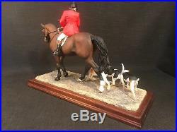 Border Fine Arts Hounds Away Bay B1070 Hunting Figurine Ornament