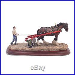 Border Fine Arts Lightly Rolled Figurine
