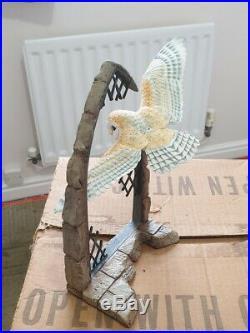 Border Fine Arts model Barn Owl in Flight in Broken Church Window, F1 by David