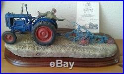 Border fine arts tractor