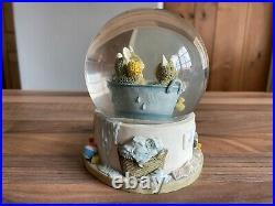 Brambly Hedge Border Fine Arts Babies in the Bath Snow / Water Globe Sample