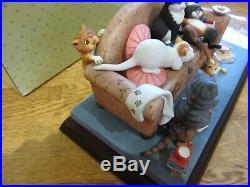 Comic & Curious Cats'Catastrophe' A8887